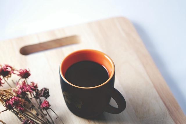 Bạn có thể pha chế ly cà phê yêu thích đậm đà hơn bằng nước ion kiềm pH 9.5