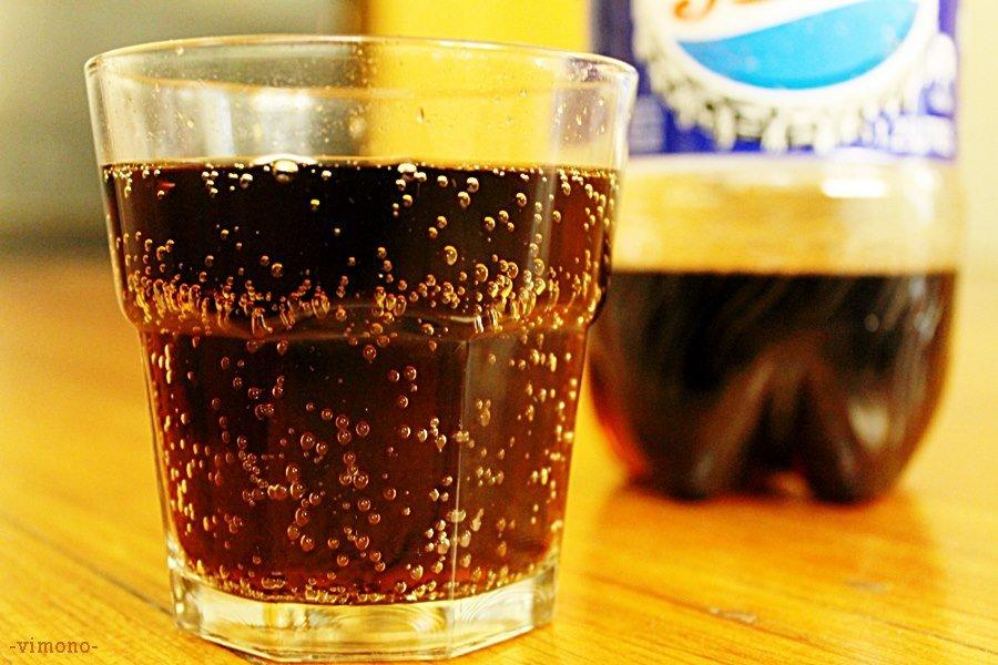Nước ngọt có ga, nước khoáng đều không tốt cho trẻ.